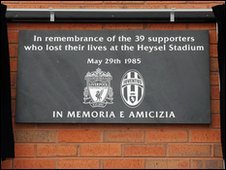 Heysel memorial at Anfield, Liverpool featuring the words, 'in memoria e amicizia'