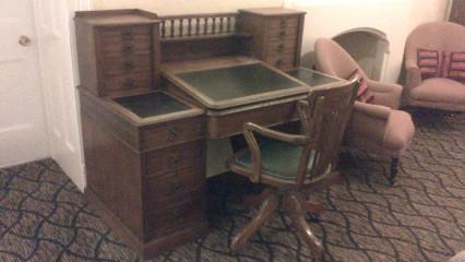 writer's desk hotel