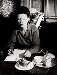 Simone de Beauvoir writing cafe